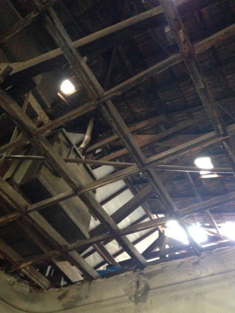 Fechado por mais de 25 anos, casarão tinha problemas graves no telhado, que podia ruir