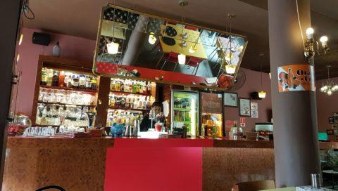 Bar do Tubaina, bar que tem metade do cardápio com opções vegetarianas e veganas