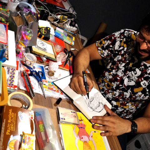 Viny Alves, ilustrador e designer gráfico