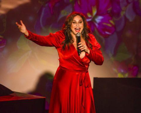 Fafá de Belém faz show na inauguração do Sesc Avenida Paulista