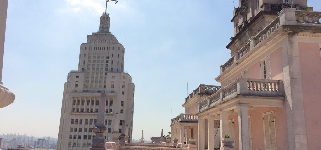 Palacete construído por Giuseppe Martinelli para viver com a família, no alto do edifício que era o mais alto da cidade nos anos 1930 e 1940. Foto: A Vida no Centro