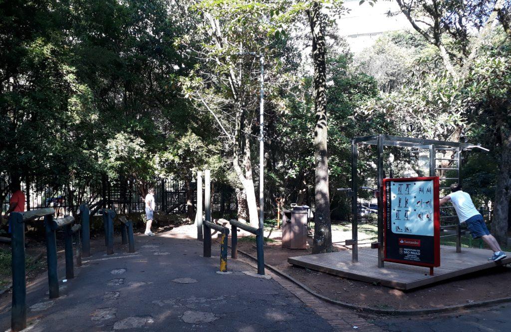 Atividades físicas ao ar livre - Parque Buenos Aires