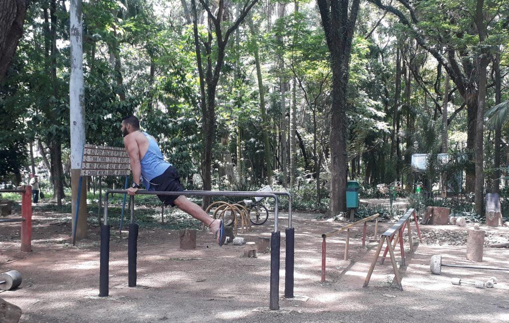 Atividades físicas ao ar livre - Parque da Luz