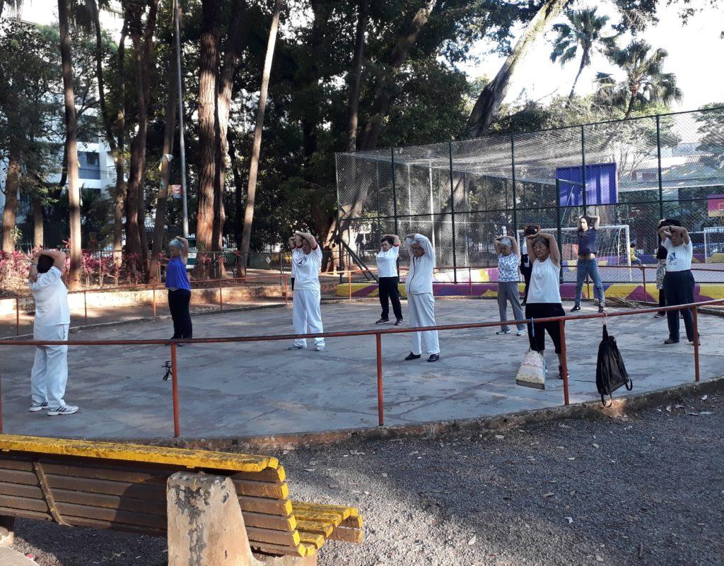 Atividades físicas ao ar livre - Praça Rotary