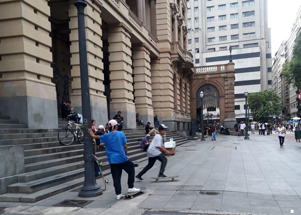 Atividades físicas ao ar livre - Theatro Municipal