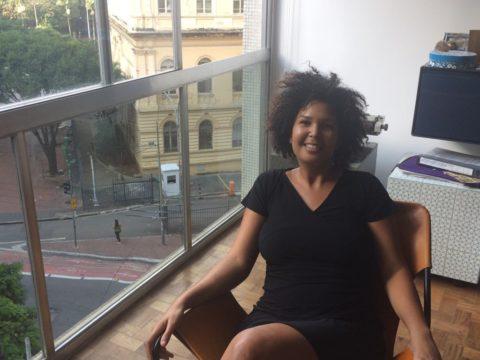 """Joanita Nascimento, moradora do Edifício Eiffel: """"Aqui parece que a gente está na rua"""""""