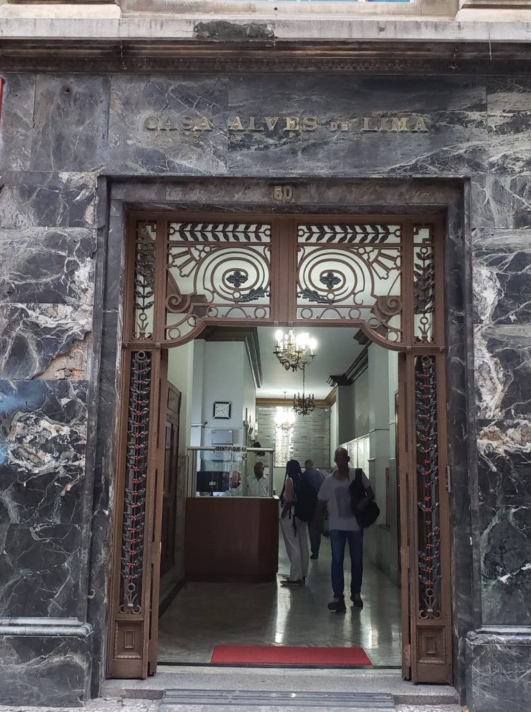 ramos de café nas fachadas - Casa Alves de Lima